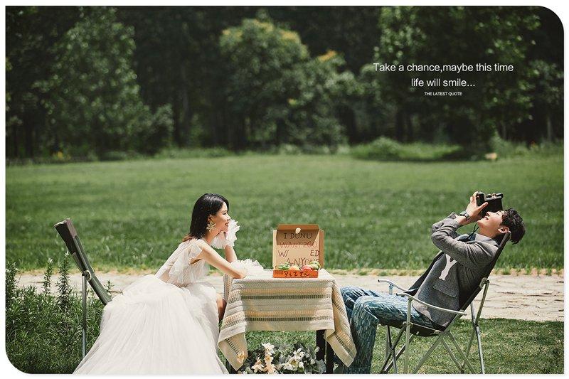 网红打卡地 |夏小姐的私享时光,色彩鲜明的配色和年轻清爽的服搭风格,再加上阳光、绿草,和森林,这就是这个夏天最让你惬意私