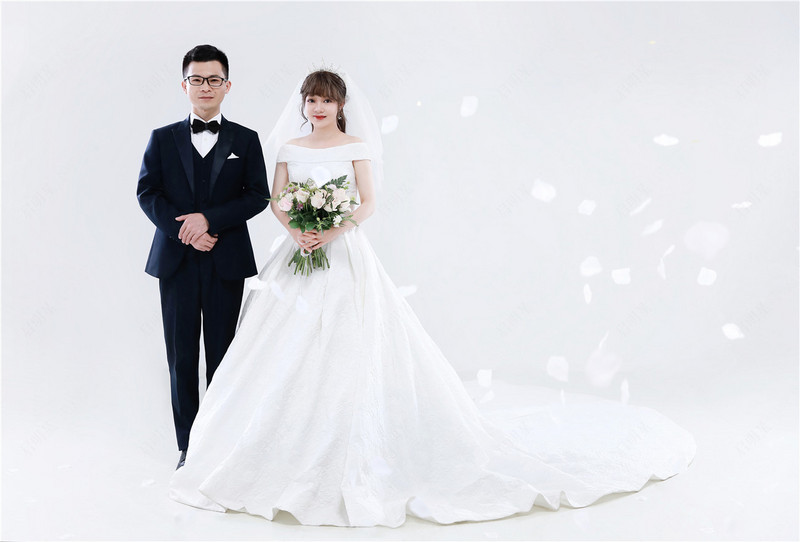 Mr.Lin & Mrs.Luo 2