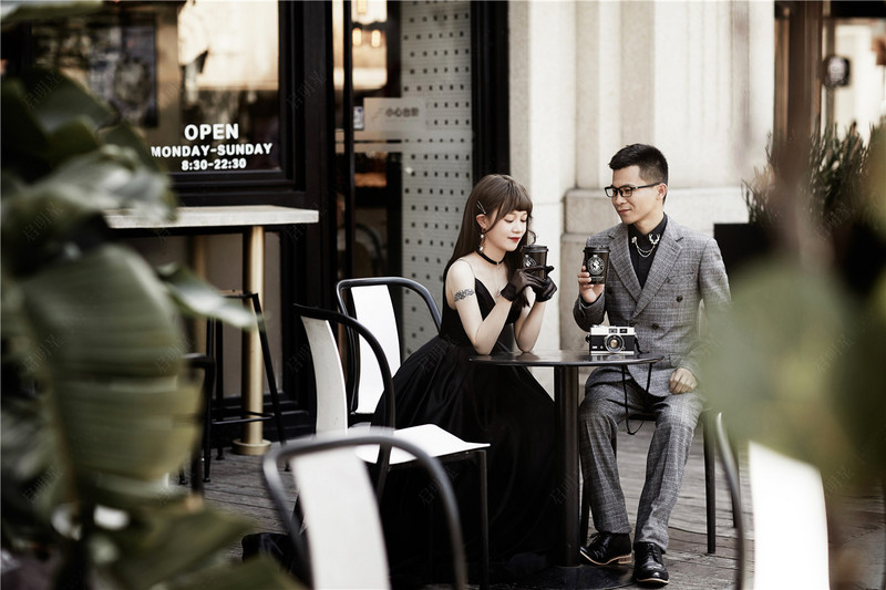 Mr.Lin & Mrs.Luo